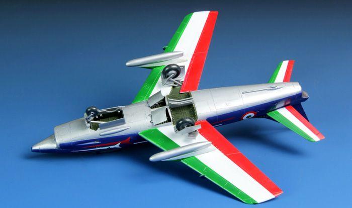 Meng Model G.91R Light Fighter-Bomber