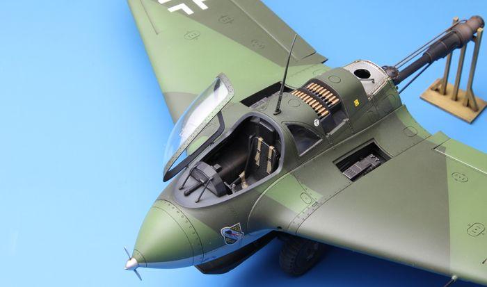 Meng Model Messerschmitt Me163B Komet Rocket-Powered