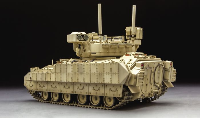 Meng Model M3A3 BRADLEY W/BUSK III U.S. CAVARLY FIGHTING VEHICLE