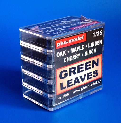Plus Model Green Leaves Set