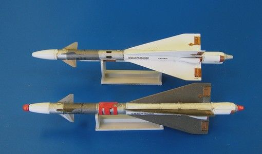 Plus Model Russian missile R-40TD AA-6 Acrid