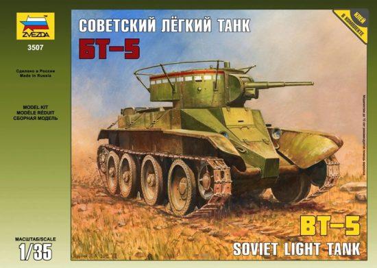 Zvezda Russian BT-5 Light Tank makett
