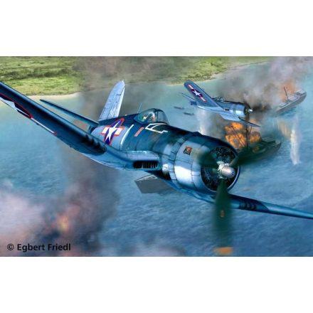 Revell Vought F4U-1D Corsair makett