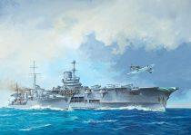 Revell HMS Ark Royal & Tribal Class Destroyer makett