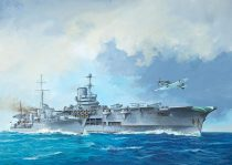 Revell HMS Ark Royal & Tribal Class Destroyer makett