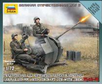 Zvezda German 2cm Flak 38 w/Crew makett