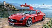 Revell Mercedes-Benz SLS AMG makett