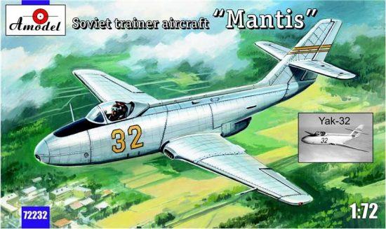 "Amodel Yak-32 ""Mantis"" Soviet trainer aircraft makett"