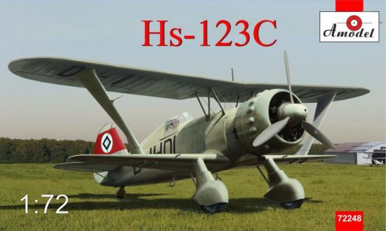 Amodel Henschel Hs 123C dive-bomber makett