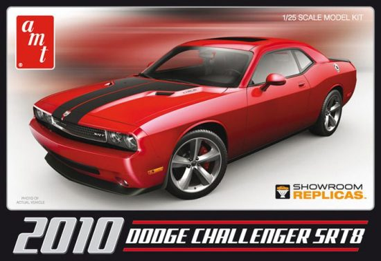 AMT 2010 Dodge Challenger SRT8 makett
