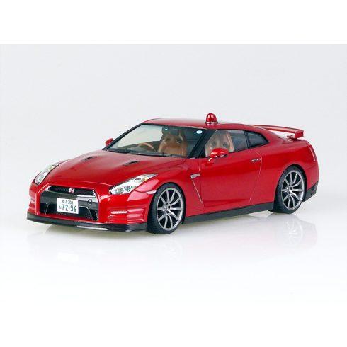 Aoshima Nissan R35-R Abunai Deka makett