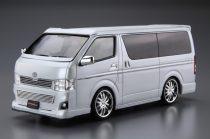Aoshima Silk Blaze TRH200V Hiace Toyota makett