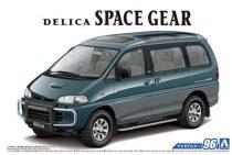 Aoshima Mitsubishi PE8W Delica Space Gear '96 makett