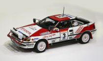 Beemax TOYOTA TA64 CELICA '90 SAFARI RALLY Version makett
