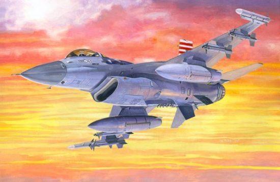Mistercraft F-16C-25 Viper makett