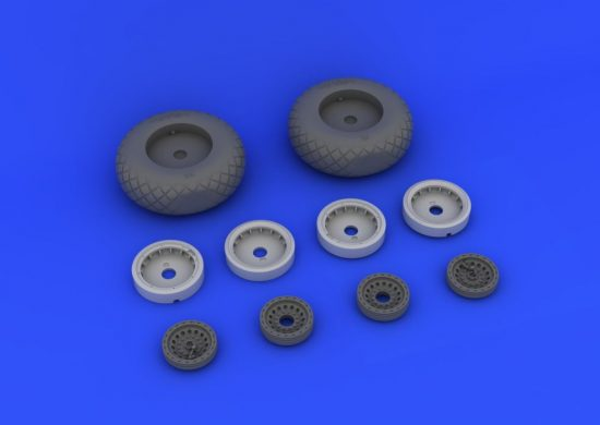 Eduard B-17 wheels (HONG KONG MODELS)