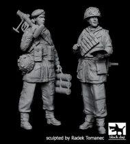 Black Dog British paratropers set