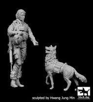 Black Dog US Woman soldier with dog