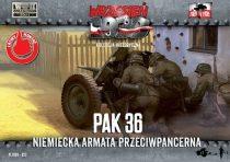 First to Fight 3,7cm PaK 36 German anti tank gun with crew makett