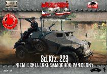 First to Fight Sd.Kfz.223 makett