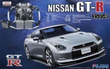 Fujimi Nissan Skyline GT-R R35 with Engine
