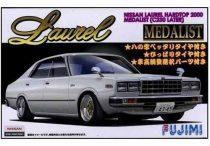 Fujimi Nissan Laurel Hardtop 2000 4Dr Medalist makett