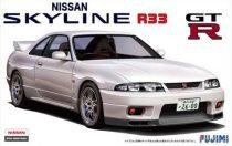 Fujimi Nissan Skyline GT-R R33 makett