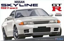 Fujimi Nissan Skyline R32 V-Spec II makett