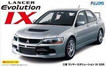 Fujimi Mitsubishi Lancer EVO IX makett