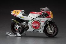 Hasegawa Yamaha YZR500 Team Roberts 1988 makett