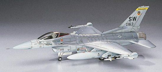 Hasegawa F-16C Fighting Falcon makett