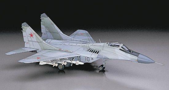 Hasegawa Mikoyan Mig-29 Fulcrum Farnborough w/Weapon makett