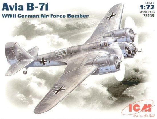 ICM Avia B-71 makett