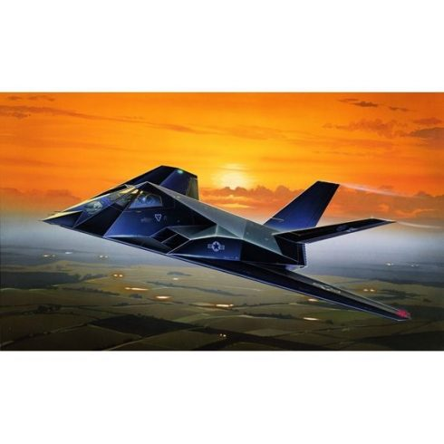 Italeri F-117A STEALTH NIGHTHAWK makett
