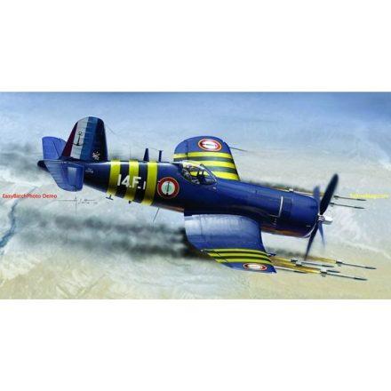 Italeri F4U-7 Corsair makett