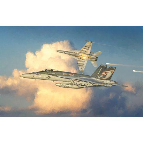 Italeri F/A-18E SUPER HORNET makett