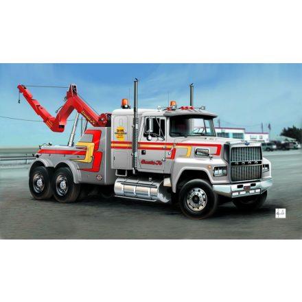 Italeri US Wrecker Truck makett