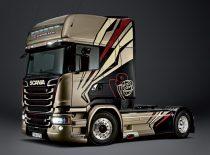 Italeri Scania R730 Streamline TEAM CHIMERA makett
