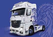Italeri Mercedes-Benz ACTROS MP4 Giga Space makett