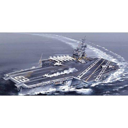 Italeri USS Kitty Hawk CV-63 makett
