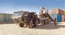 Italeri M1120 HEMTT Load Handling System makett