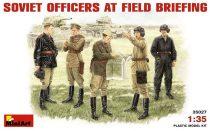 MiniArt Soviet Officers At Field Briefing