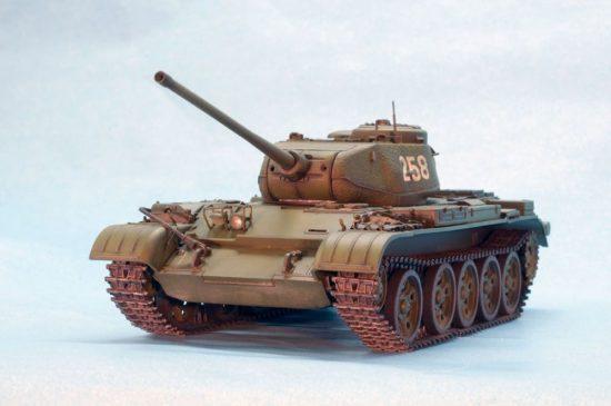 MiniArt T-44M Soviet Medium Tank