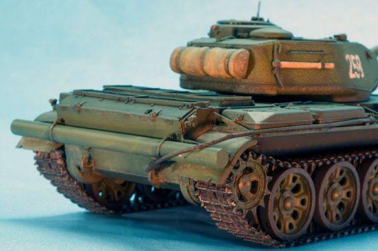 MiniArt T-44M Soviet Medium Tank makett