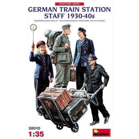 MiniArt GERMAN TRAIN STATION STAFF 1930-40s