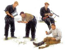 Masterbox Russian Tankmen Kursk 1943-44