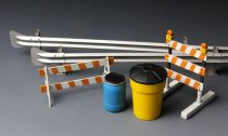 Meng Model Barricades & Highway Guardrail