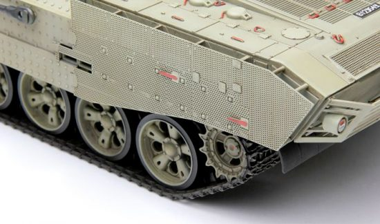 Meng Model Israel Heavy Armoured Personnel Carrier Achzarit Early makett