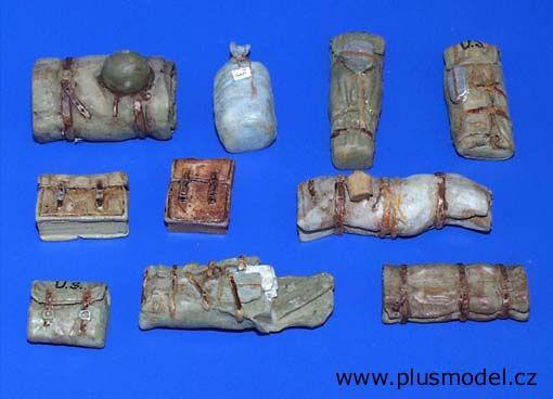 Plus Model U.S. rucksacks and bags