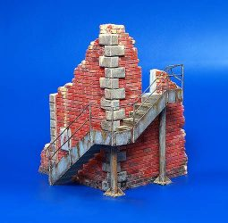 Plus Model Factory corner with steps